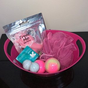 Treat Me Bath Burst Breast Cancer Pink Basket 💗🧺